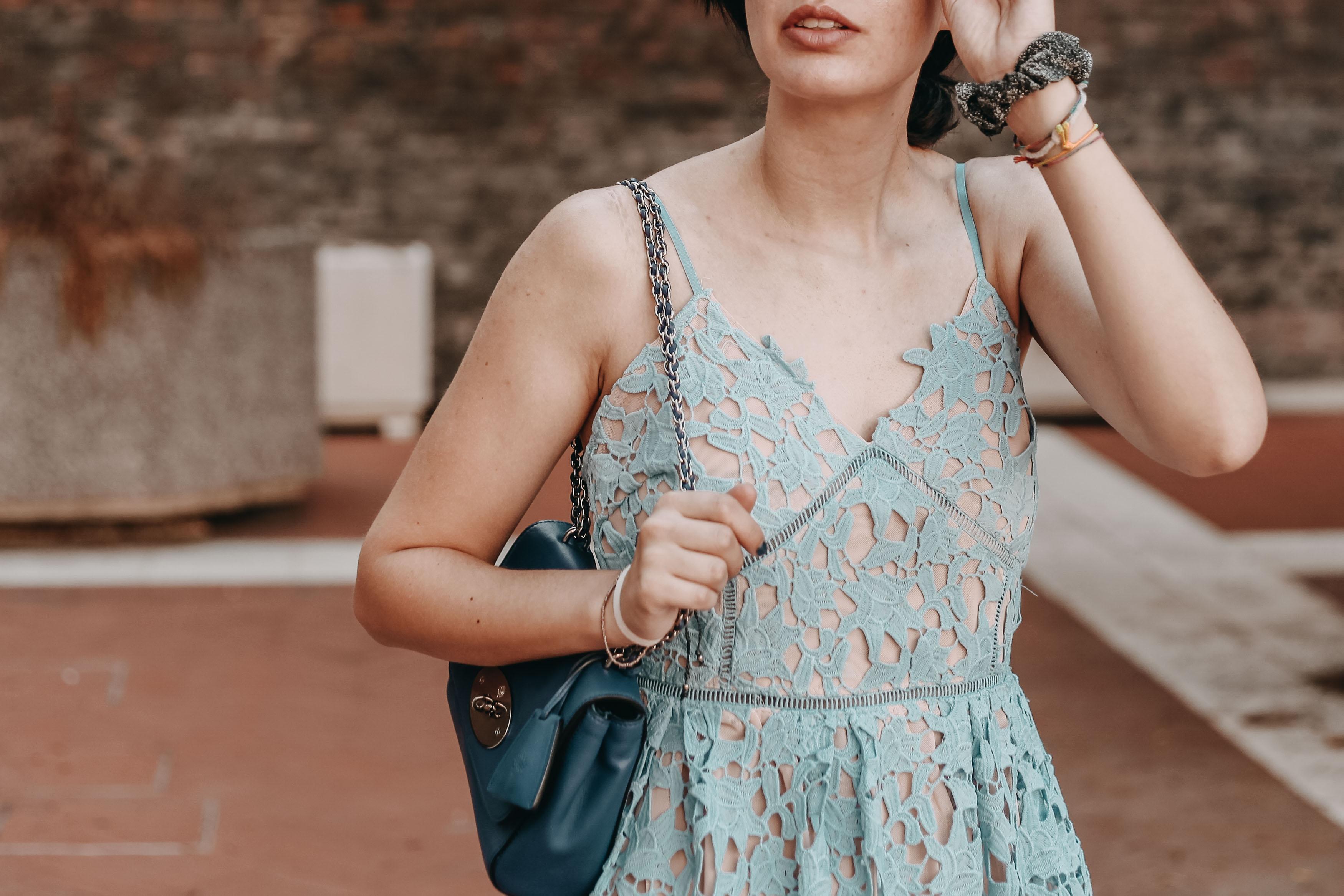 5 Ways To Flaunt Your Collarbones 35mminstyle